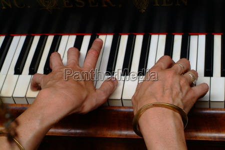 dotknal fortepianmuzykaklawiatury