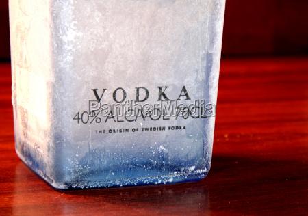 alkohol lod noga butelka flaszka bidon
