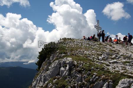 wedrowiec taternik alpinista firmament niebo sklepienie