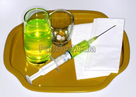 lekarz medyk doctor medyczny plynny rekonwalescencja