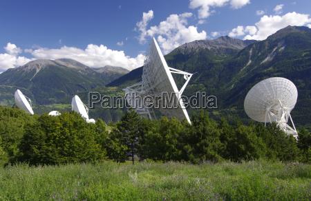 wszechswiat universe kosmos badanie nadajnik radar
