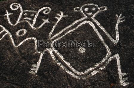 petroglify rzezbione przez caribsold road townsaint